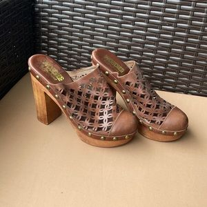 Size 8 Woodies by Jeffrey Campbell